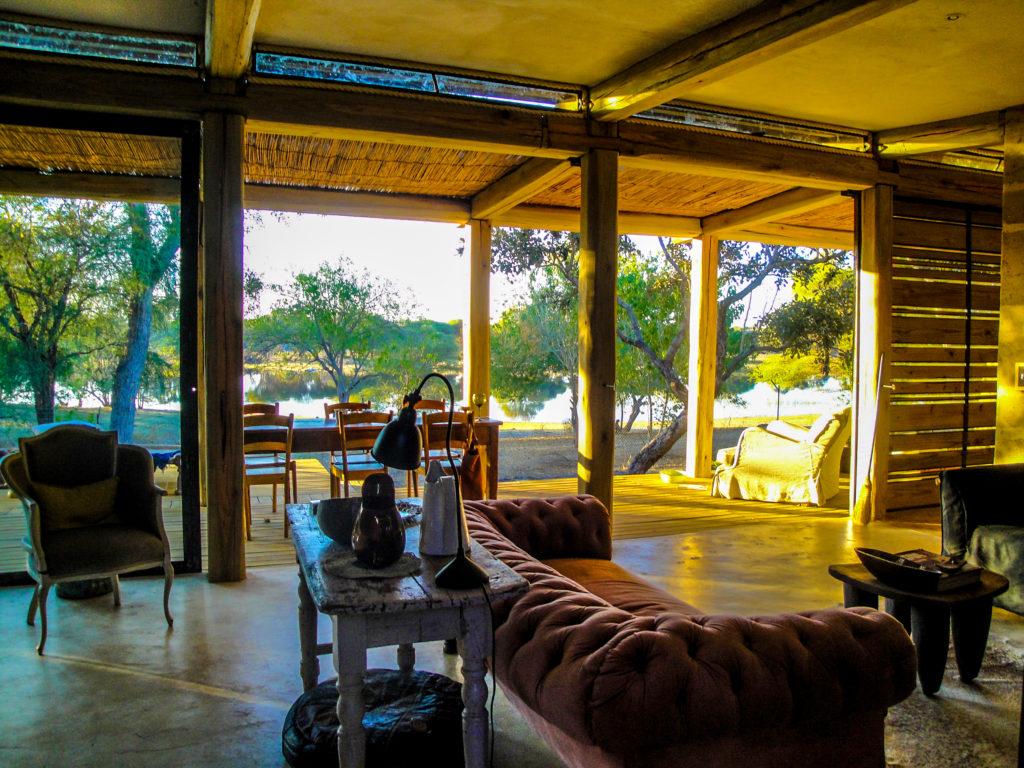 Otto Lounge View